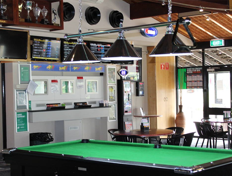 Front Bar with TAB and pooltable